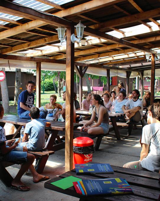A Dr. Ámbédkár iskola diákjai az Amnesty balatoni nyári táborában